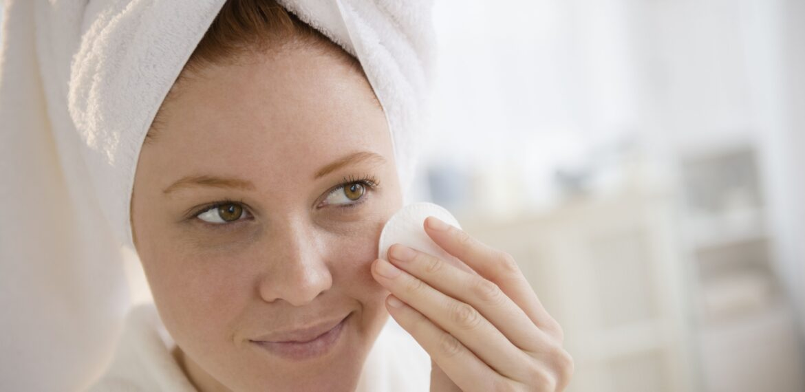 Do it yourself peeling – tips against blemished skin